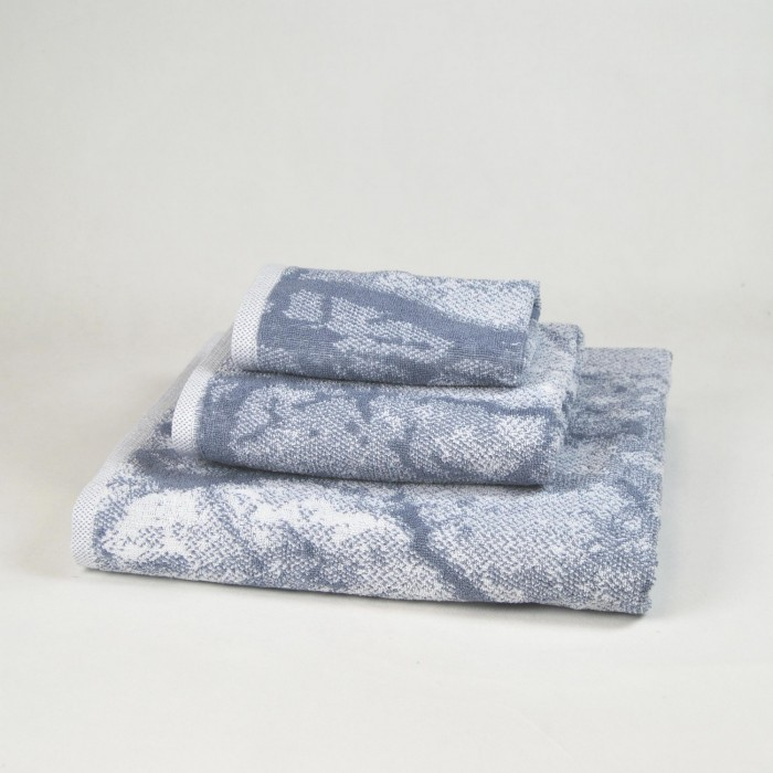 Grey towel set made from 100% cotton