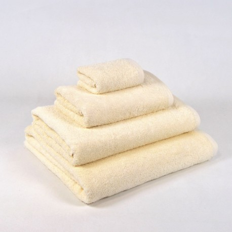 Cream Bath Towel made from 100% cotton