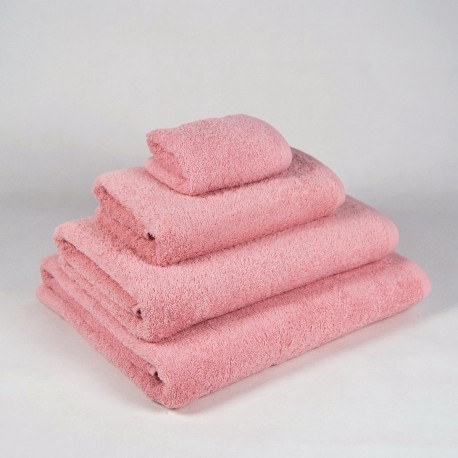 Pink Bath Towel made from 100% cotton