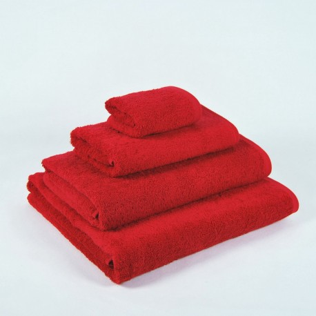 Red Bath Towel made from 100% cotton