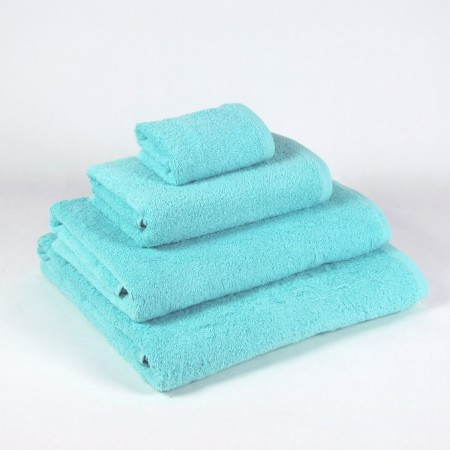 Aqua Bath Towel made from 100% cotton